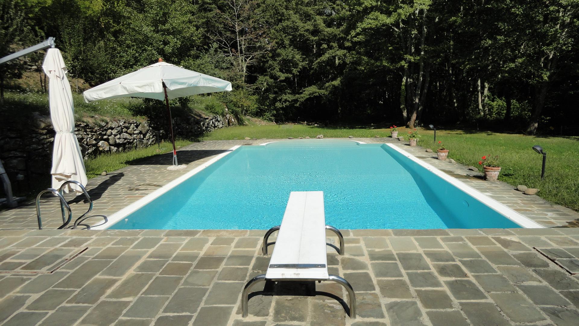 trampolini e scivoli toboga per piscine prezzi e sconti
